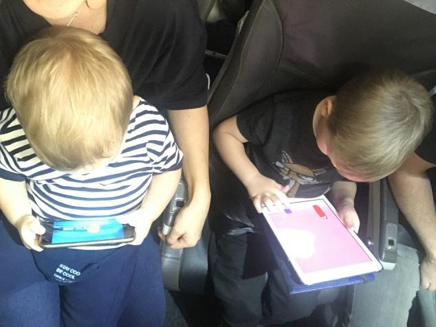 Utilizando tecnologia apenas dentro do avião